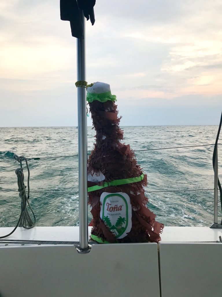 tona-pinata-nicaragua-catamaran