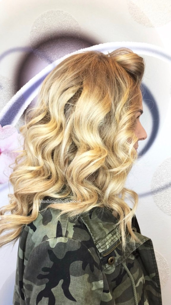 Large loose waves blonde romantic wedding guest hairstyle medium length hair @blushinginhollywood