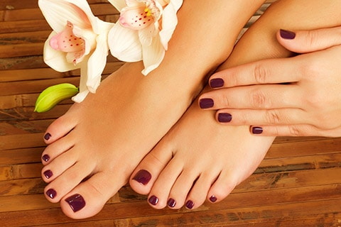 3 Easiest Homemade Remedies For Whitening Hands And Feet 4