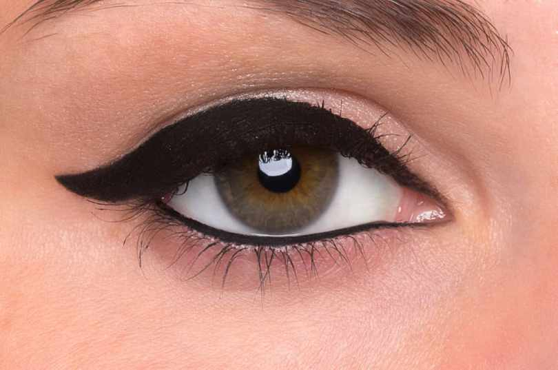 How to Do Winged Eyeliner 3