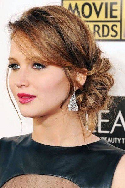 Easy Bun Hairstyles That Can Be Done In Just 5 Minutes. 1