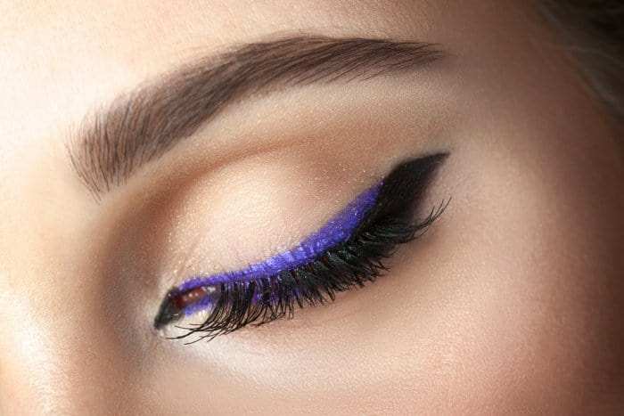 Brightening Makeup Tricks For Tired Eyes. 5