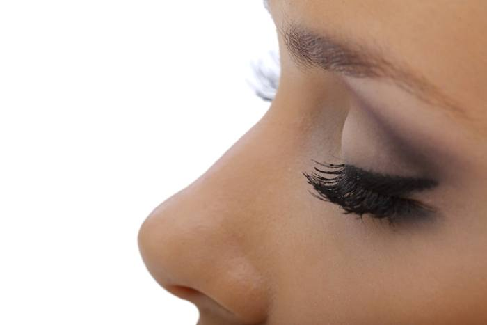 The 7 Essential Spots To Apply Eyeshadow For Achieving a Flawless Look 7