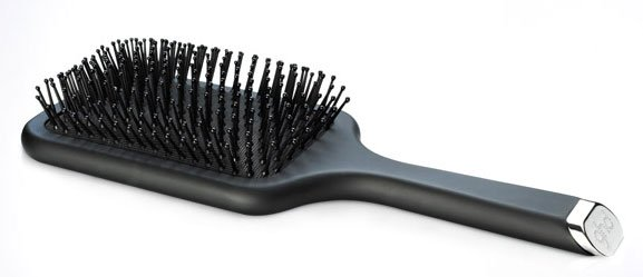 Combing your hair using a paddle brush straightens your hair at home  without heat. You can use a paddle brush on your hair after following any  of the other ...