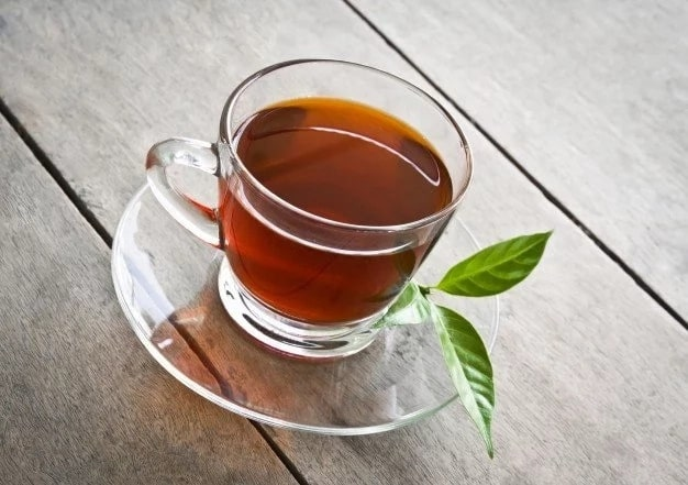 Green tea helps you to get rid of dark circles
