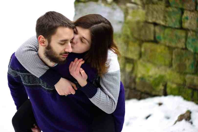 Check What Type Of Hug Reveals The Secret Of Your Relationship 4