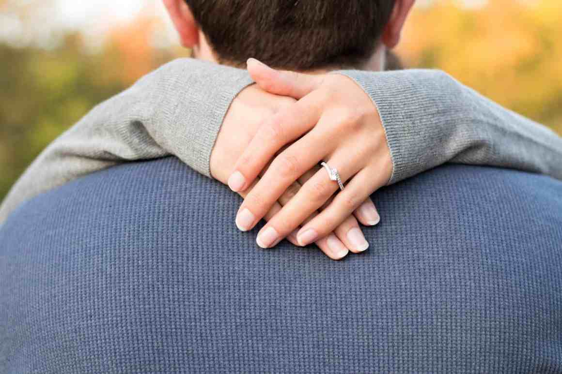 Check What Type Of Hug Reveals The Secret Of Your Relationship 10