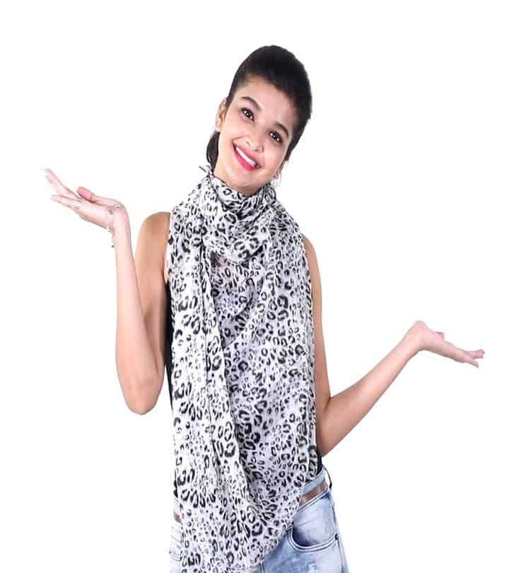 Five Ways To Wear A Scarf In The Stylish Way 2