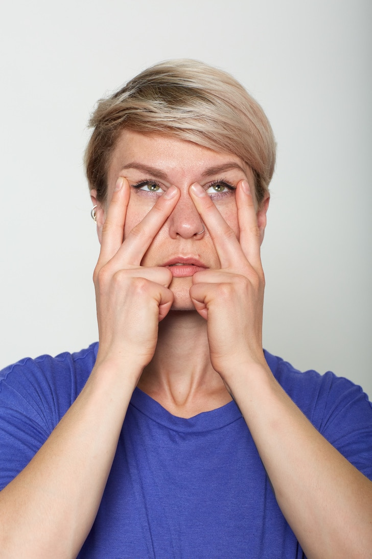10 Basic Facial Exercises That Will Not Let You Visit To A Plastic Surgeon 2