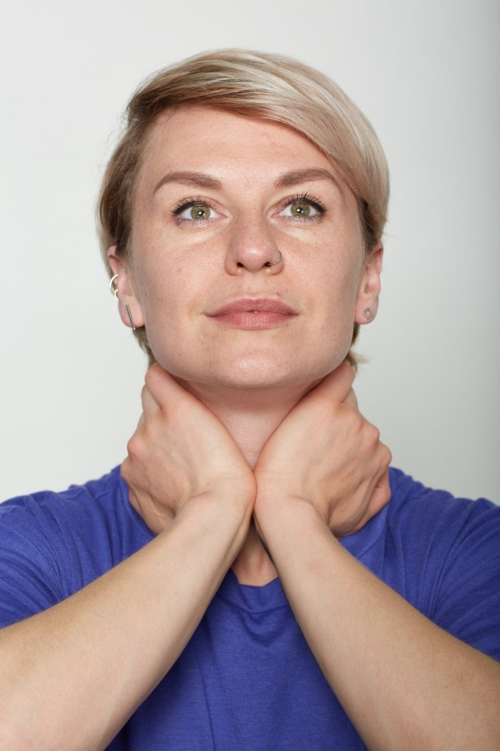 10 Basic Facial Exercises That Will Not Let You Visit To A Plastic Surgeon 8