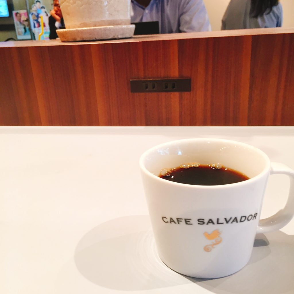 茅場町 電源カフェ CAFE SALVADOR BUSINESS SALON