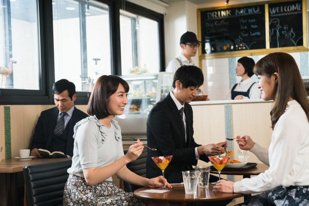 軽減税率 店内飲食10% カフェ 繁盛