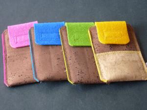Handytaschen aus Kork, weich ausgekleidet mit Filz
