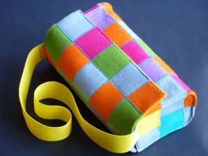 """Read more about the article Handtasche Modell """"squares"""""""