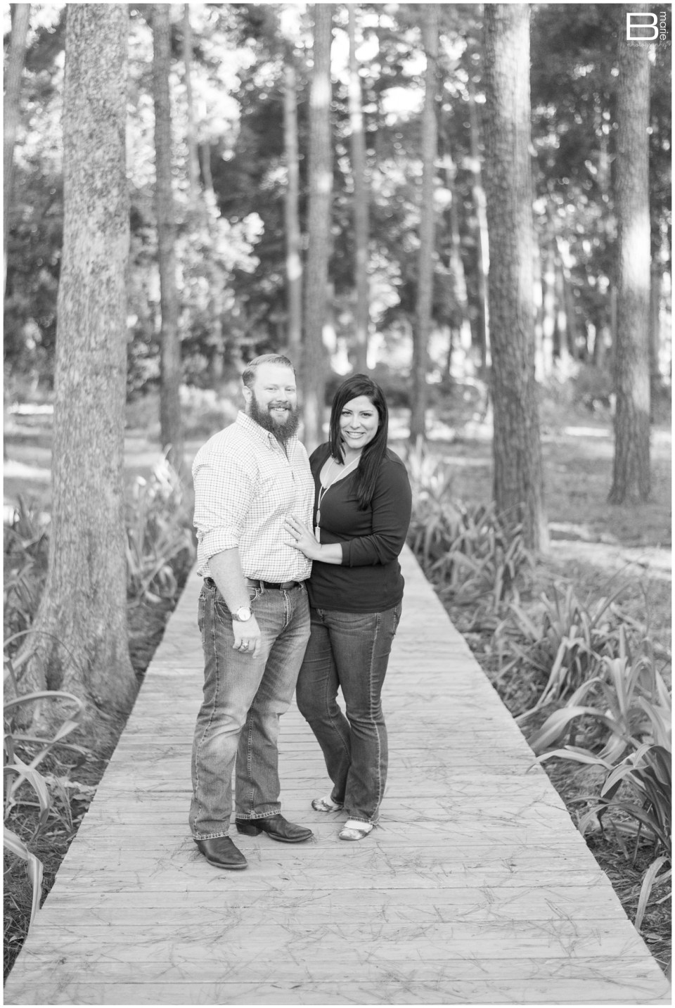 Kingwood photographer morning engagement session in arboretum & downtown Nacogdoches