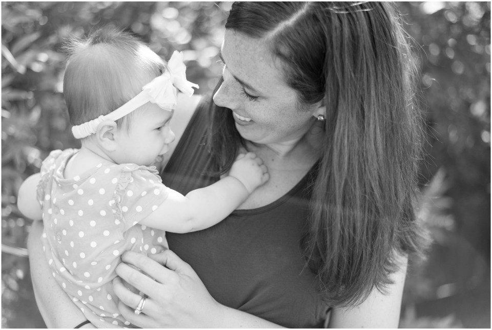 Kingwood photographer Little Ones session with 6 month old girl & family