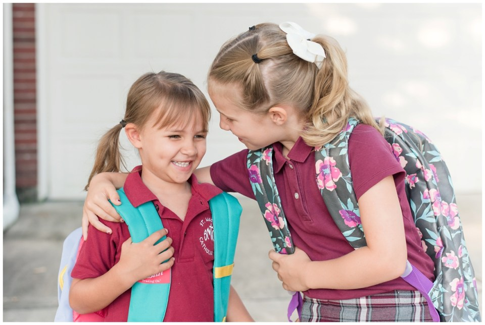Kingwood photographer photos of two daughters on the first day of 1st grade and Pre-K 3