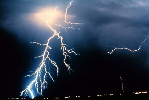 BMC_Networks_UPS_Lightning