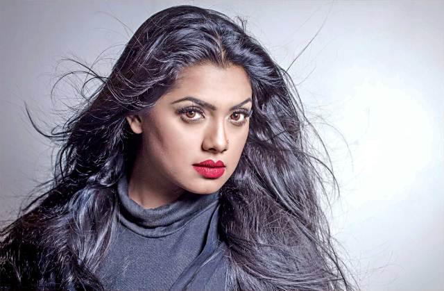 BD-Actress-Trisha