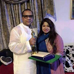 মিশাকে জাতীয় পুরস্কার দিলেন মৌসুমী