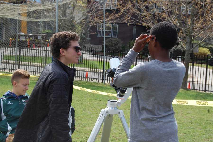 Students Observe Mercury Transit
