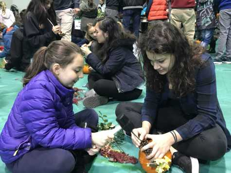 Students enjoy Harvest Fest by Noa Schabes 17'