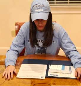 Shani Breiman' 18 gets ready to sign her letter of intent. Photo courtesy of Tal Breiman '21.