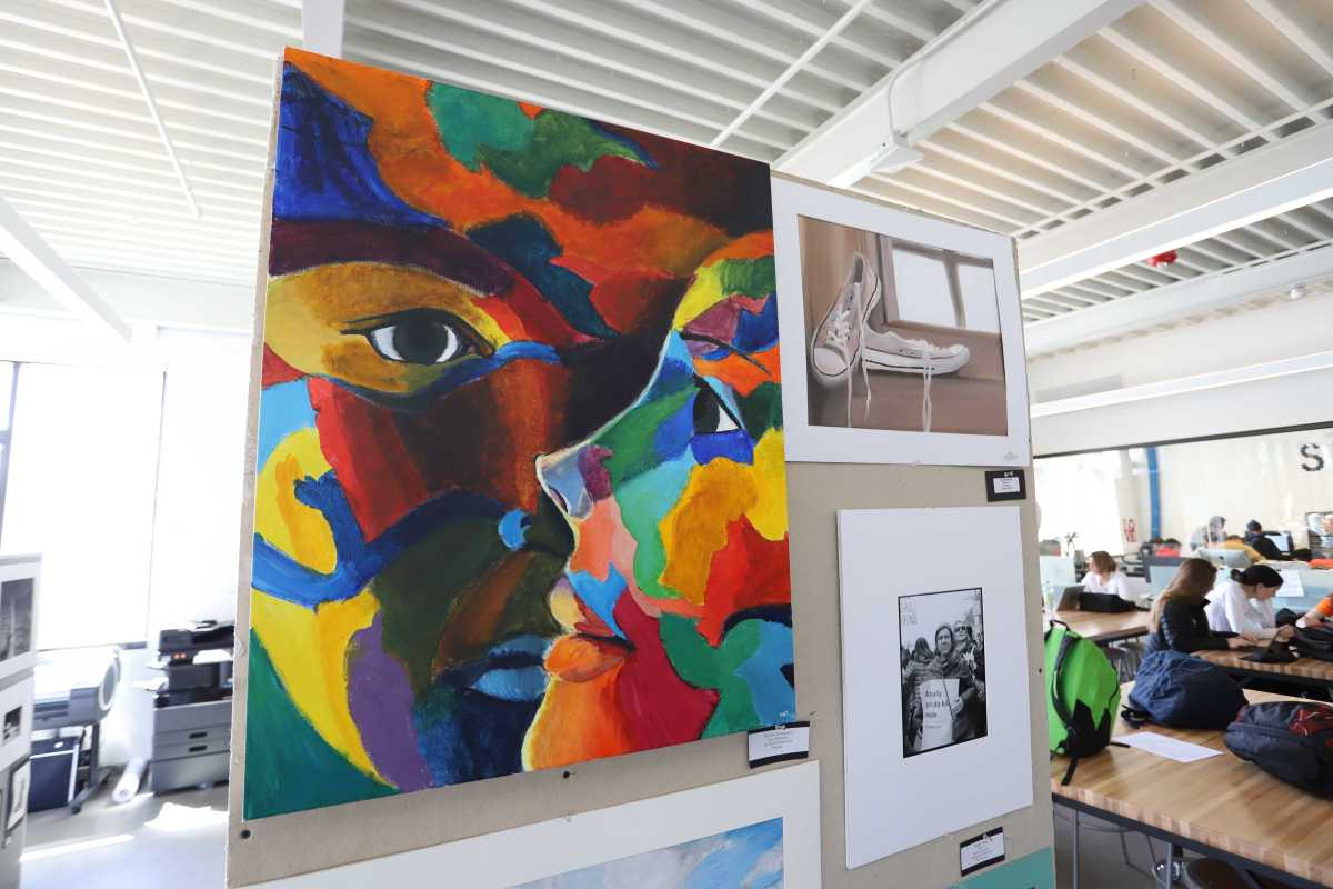 School to Host Student Art Show