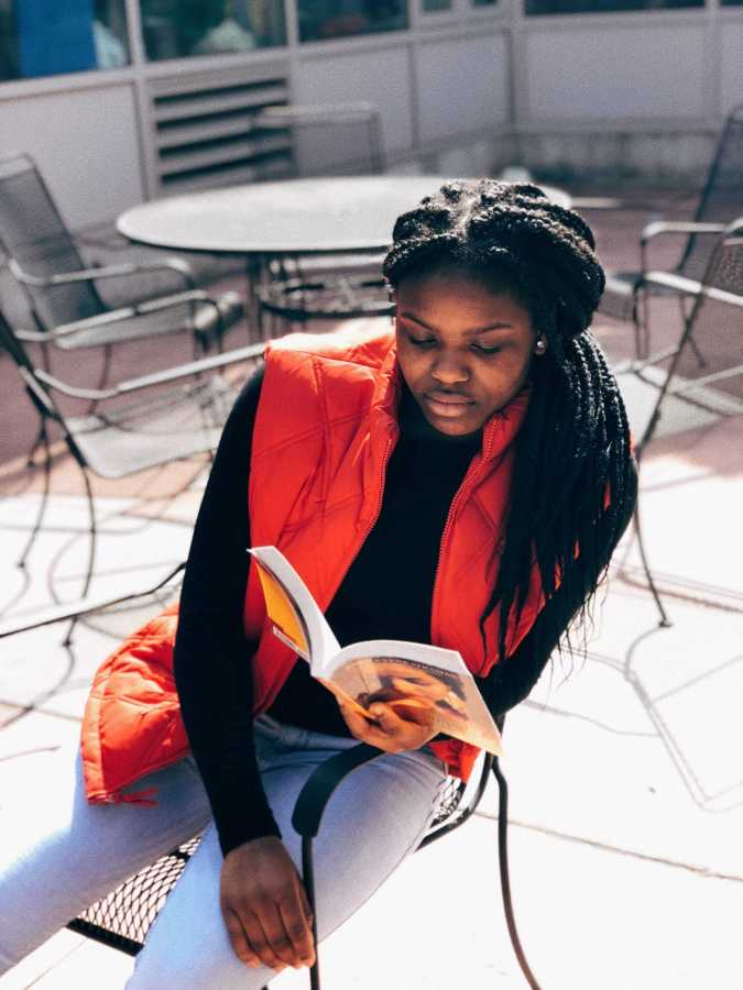 Ayanna Jefferson '22 reads outside of the learning commons.