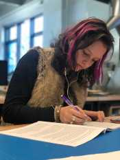 Sylvia Welch '19 working on English annotations. Photo by Sita Alomran '19.