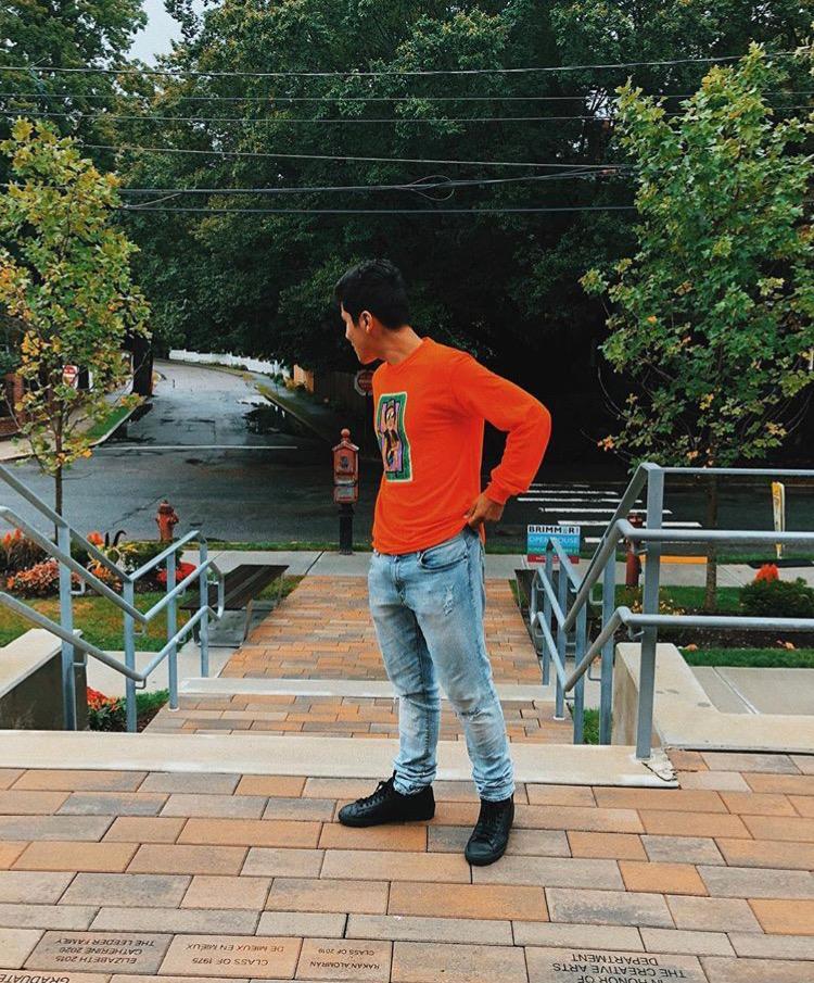 Stephen+Moreno+20+reflects+on+his+fashion+sense.+