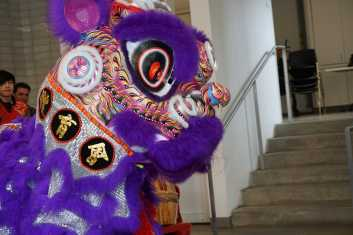 Students enjoy a Chinese New Year Lion Dance. Photo by Michelle Levinger '19.
