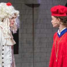 Cora Williams '20 as Cardinal Richlieu reprimands Zakkai Mares-van Praag '22 as King Anne.