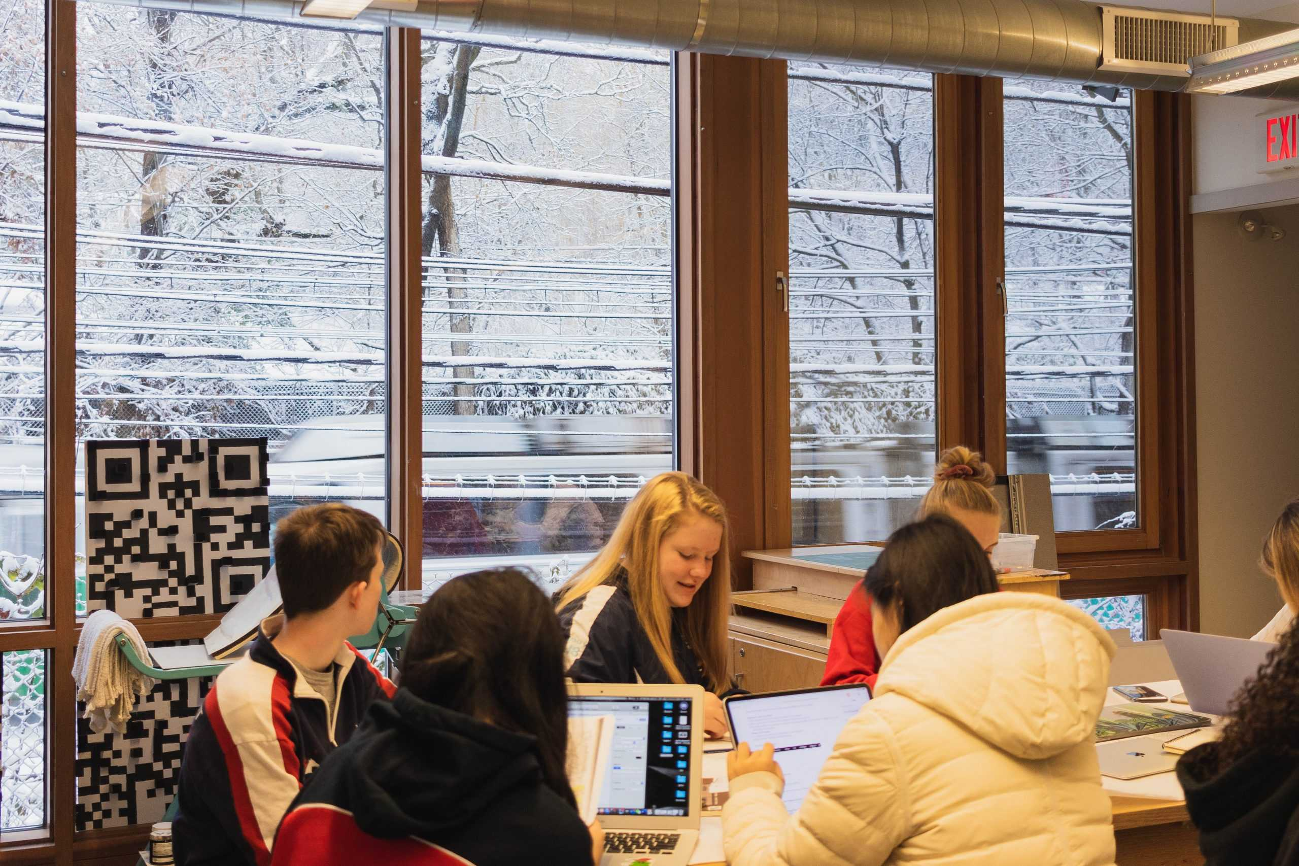 Students+are+working+hard+before+they+depart+for+winter+break.+