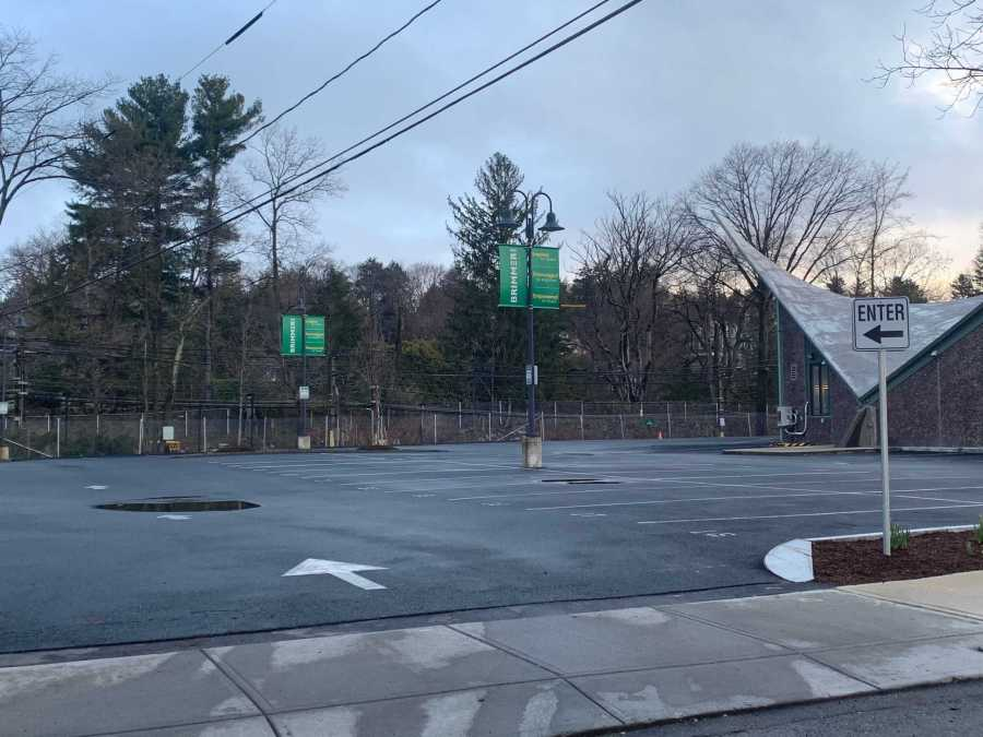 The+parking+lot+was+empty+at+7%3A25+a.m.+Tuesday+morning%2C+when+most+students+typically+arrive.+Photo+by+David+Cutler.+