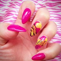 Beautiful Art for Your Almond Shaped Nails - Be Modish