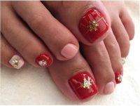 27 Holiday Fun Designs for Christmas Toe Nails! - Be Modish