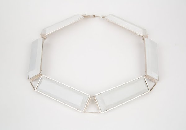 N1 McMahon, Shelly white necklace