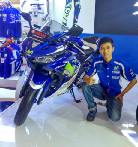 Yamaha-R25-movistar-2016