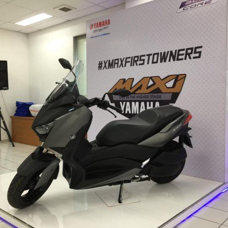 yamaha-xmax-250-grey