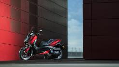 2018-Yamaha-XMAX-125-ABS-EU-Radical-Red-Static-008