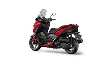 2018-Yamaha-XMAX-125-ABS-EU-Radical-Red-Studio-005