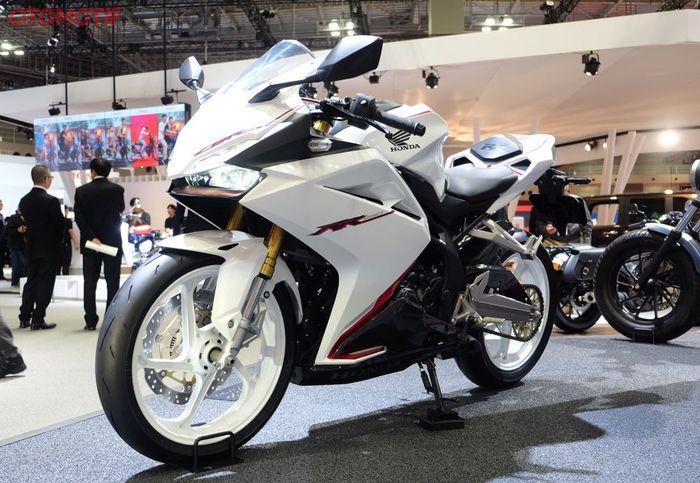 Honda-CBR250RR-2018-Warna-Putih-1