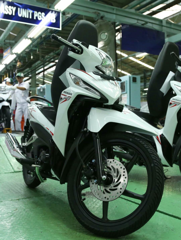 Warna Baru New Honda Revo X Dan Fit 110cc 2018 Simak Harga Vario 125 Esp Cbs Sonic White Red Sukoharjo Putih Cosmic