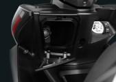 Fitur Socket Charger Untuk Aerox S Version