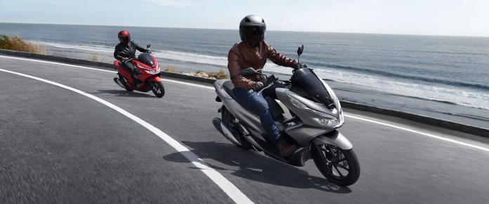 Honda PCX Matte Red dan Matte Silver