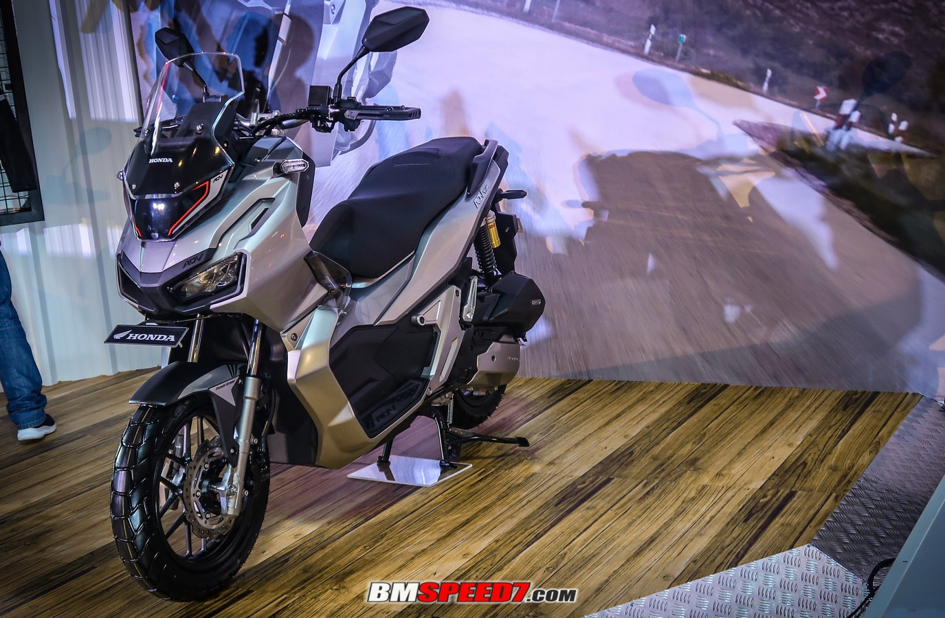 Honda ADV CBS Tough Silver