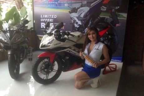 yamaha-R15-special-edition-pakai-sok-belakang-ohlins