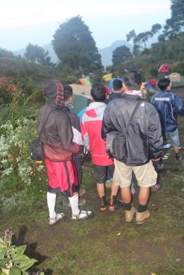 Pengalaman-Mendaki-gunung-Prau-Dieng-Banjarnegara-BMspeed7.com_33
