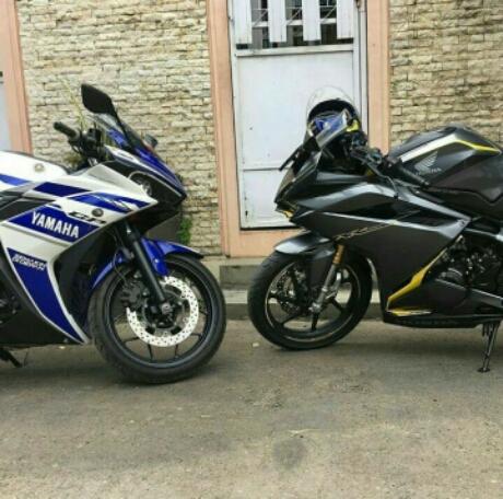 Adu ganteng All New Honda CBR250RR Vs Yamaha R25